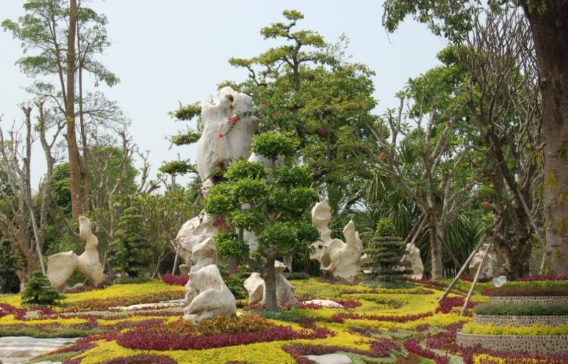 Крокодиловая ферма и парк миллион летних камней. Таиланд.