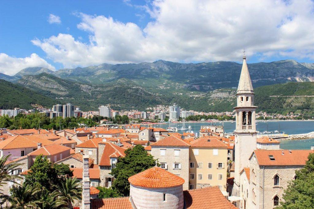 Экскурсия с гидом или самостоятельная прогулка по городу: что выбрать туристу