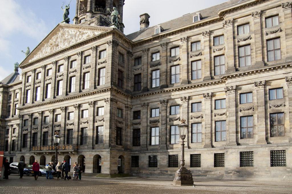 Как за один день ознакомиться с лучшими достопримечательностями Амстердама