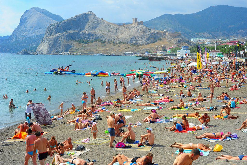 Почему отдых в России может обойтись дороже, чем за границей