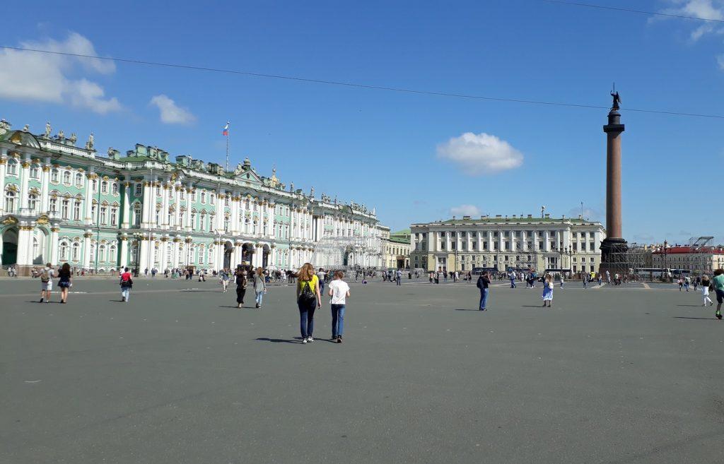 Как организовать поездку на выходные в Санкт-Петербург