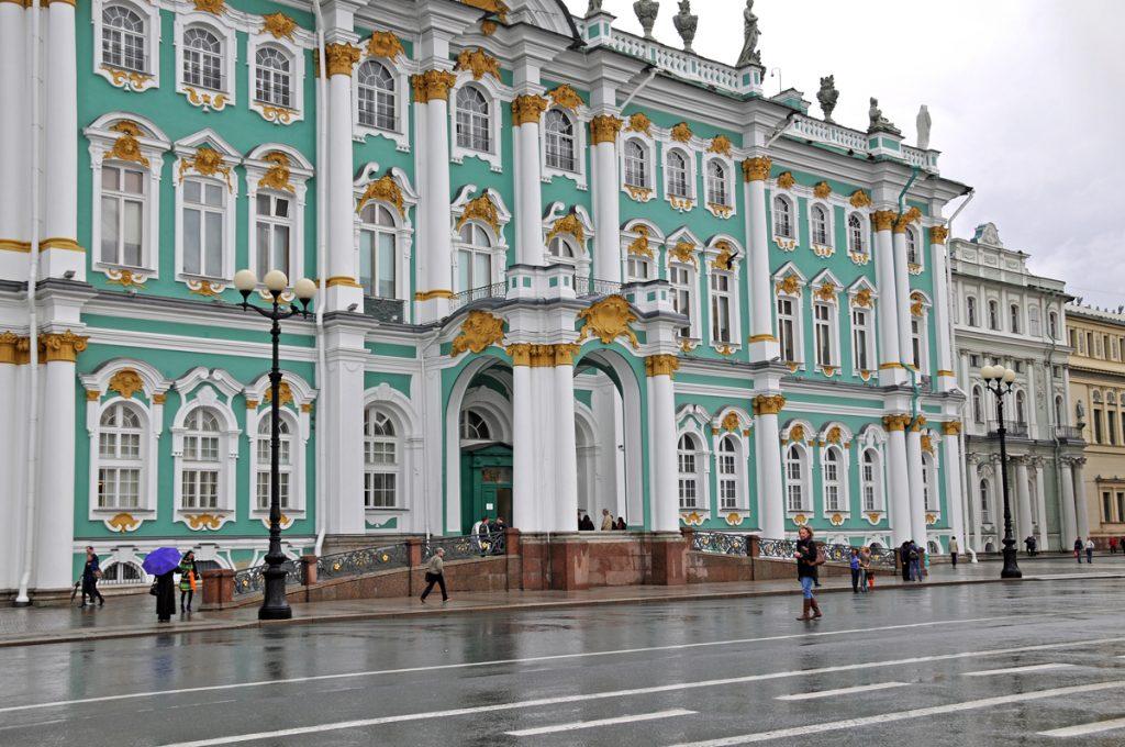 5 мест, которые стоит посетить в Санкт-Петербурге любому туристу