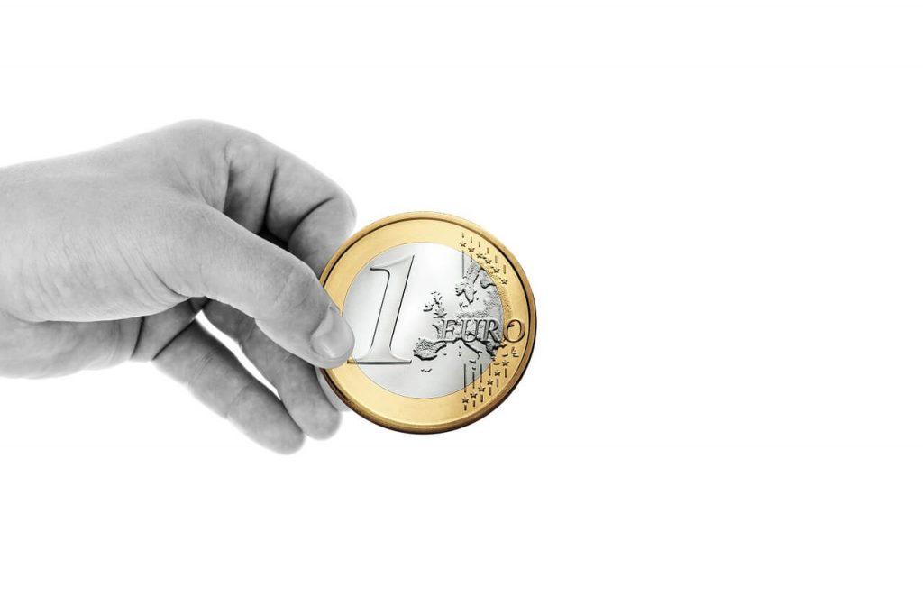 В каких местах туристу лучше не менять валюту в чужой стране