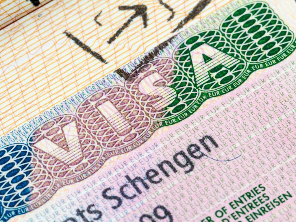 Куда россиянам сложнее всего получить визу