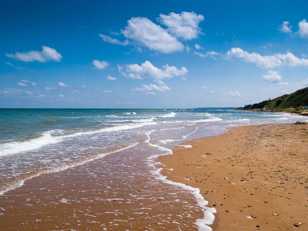 Топ-5 российских курортов у моря, где можно отдыхать всей семьей