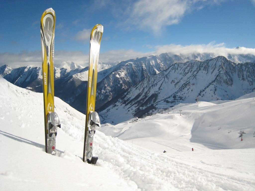 Топ-5 лучших мест для катания на лыжах в любое время года