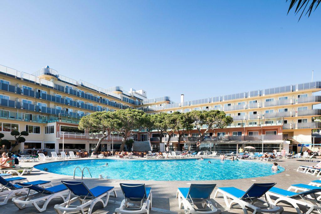 Какие неприятности могут поджидать туристов в бассейнах отелей