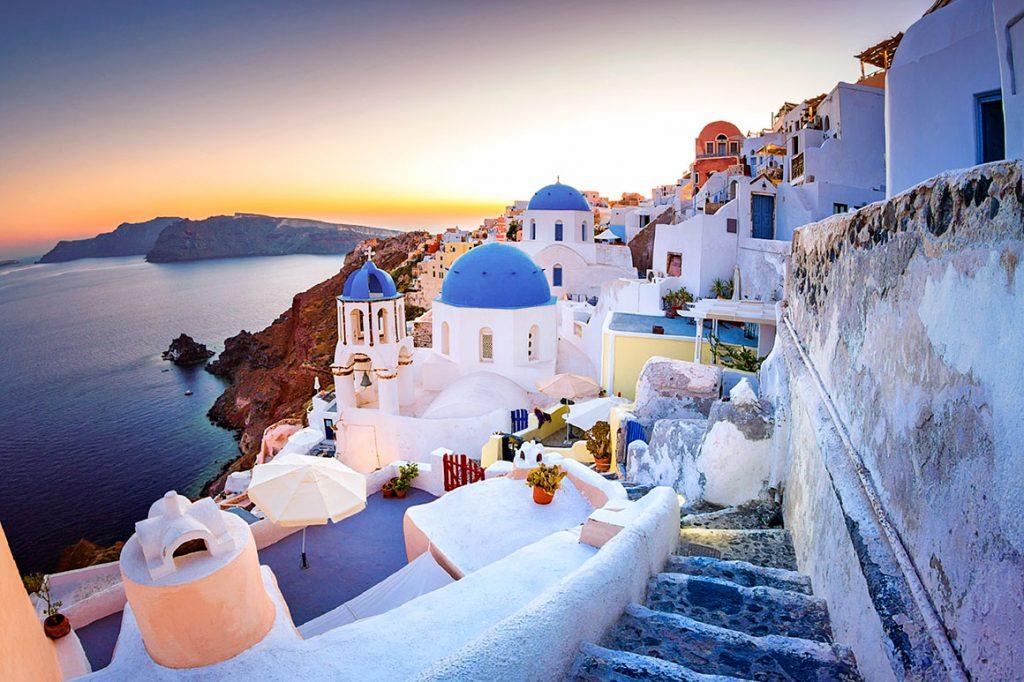 Остров Санторини - отличное решение для весеннего отдыха в Греции