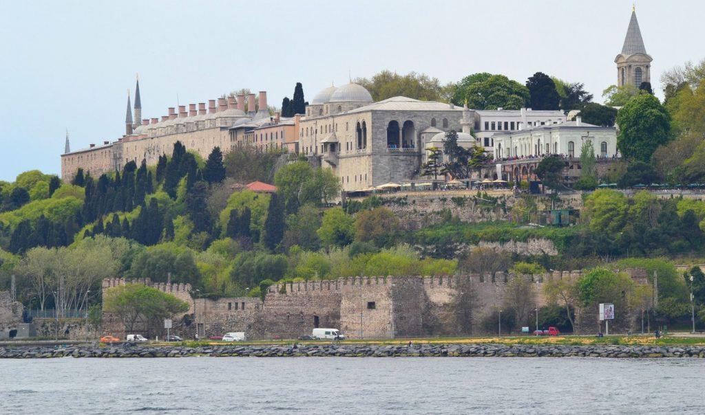 Стамбул весною: что посмотреть за выходные
