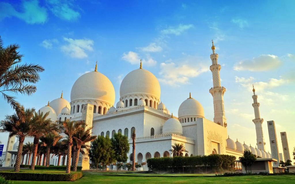 Роскошь среди пустыни: какой эмират в ОАЭ выбрать туристу из России