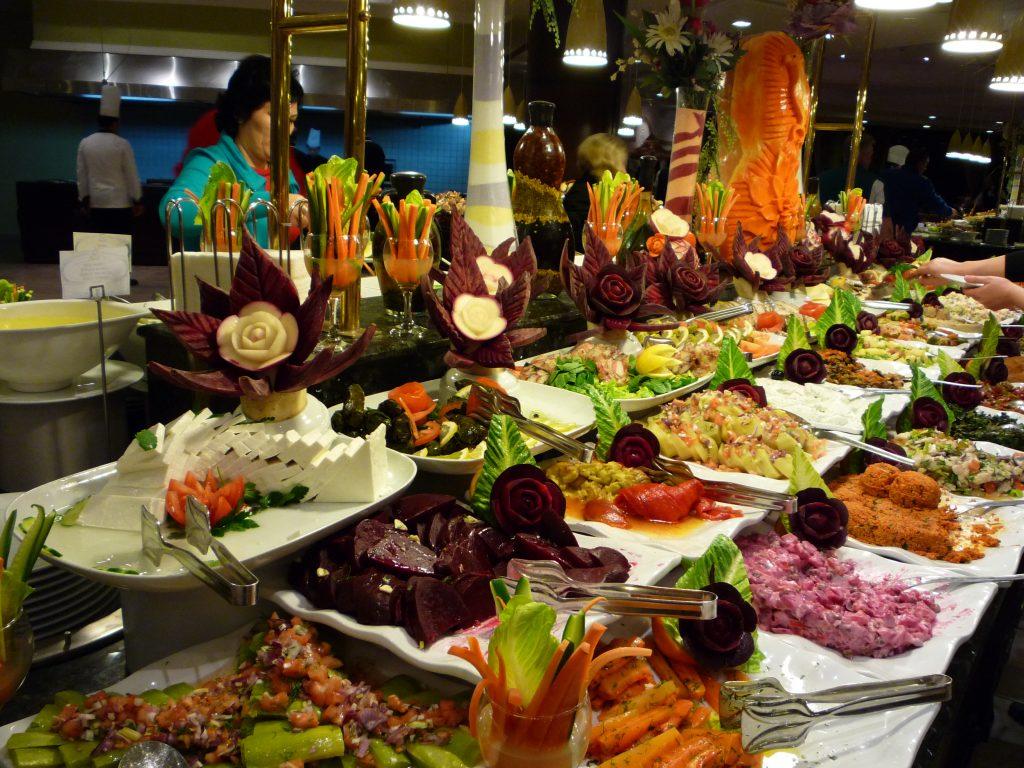 Как туристам питаться в поездках дешево и со вкусом