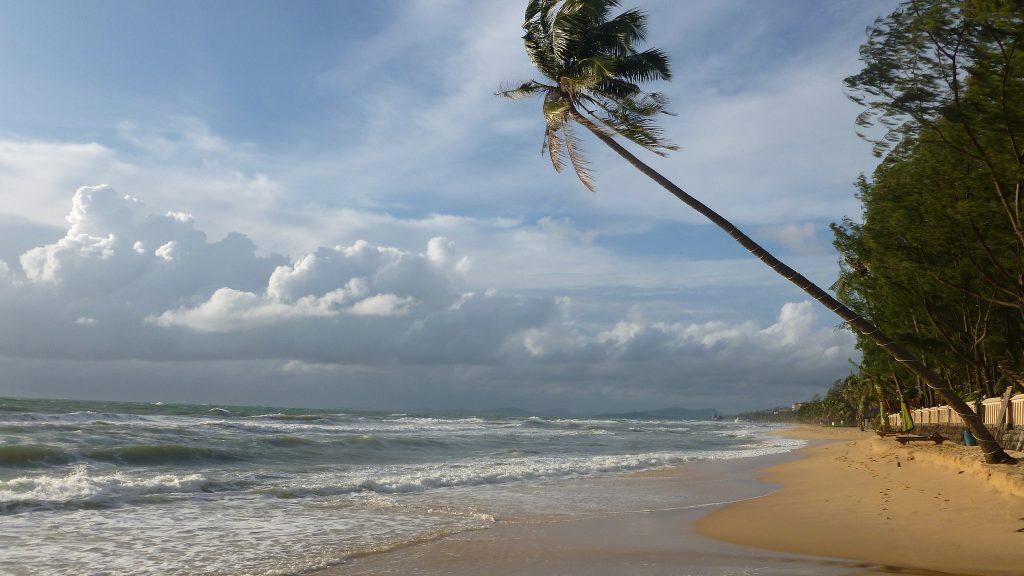 Самые спокойные пляжи Вьетнама для семейного отдыха