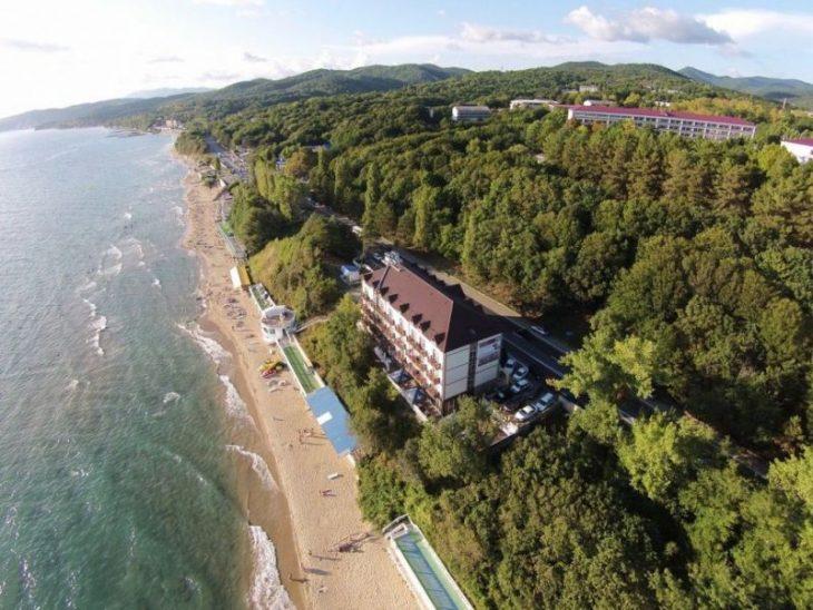 Топ-5 российских курортов у моря, где можно отдыхать уже в мае