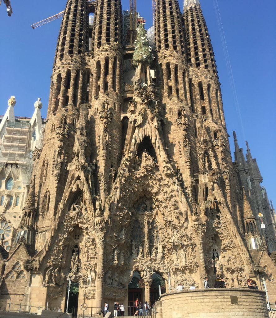 Топ-5 мест для туристов в Испании