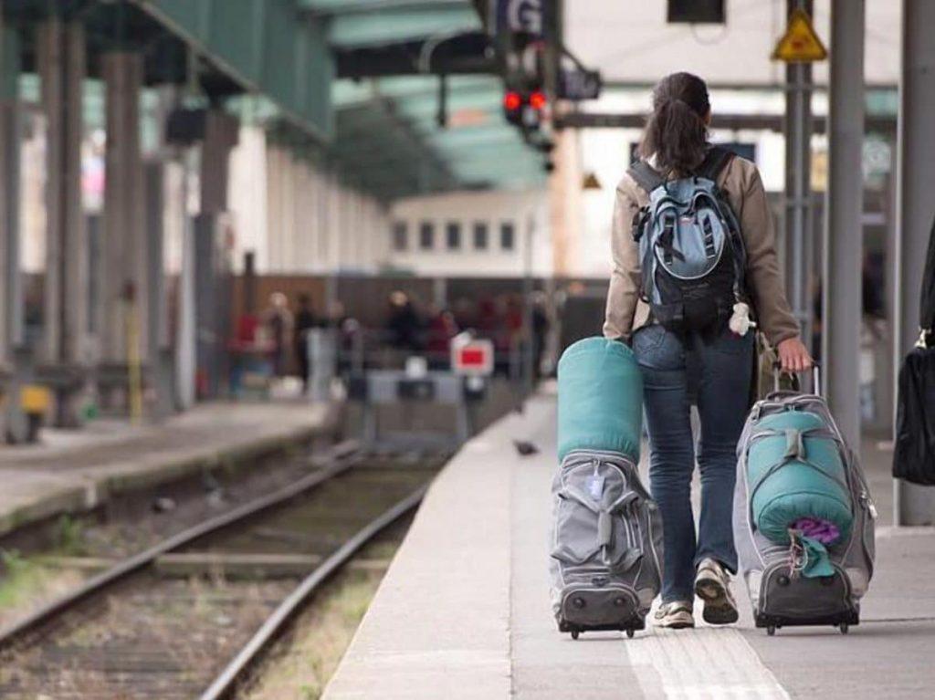 Как вернуть забытый багаж в поезде или на авиарейсе