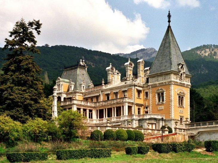 Лучшие курорты Крымского полуострова, где можно отдохнуть даже с небольшим бюджетом