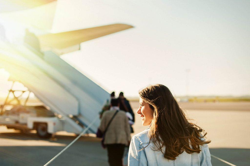Сколько еды и воды можно взять на борт самолета пассажиру