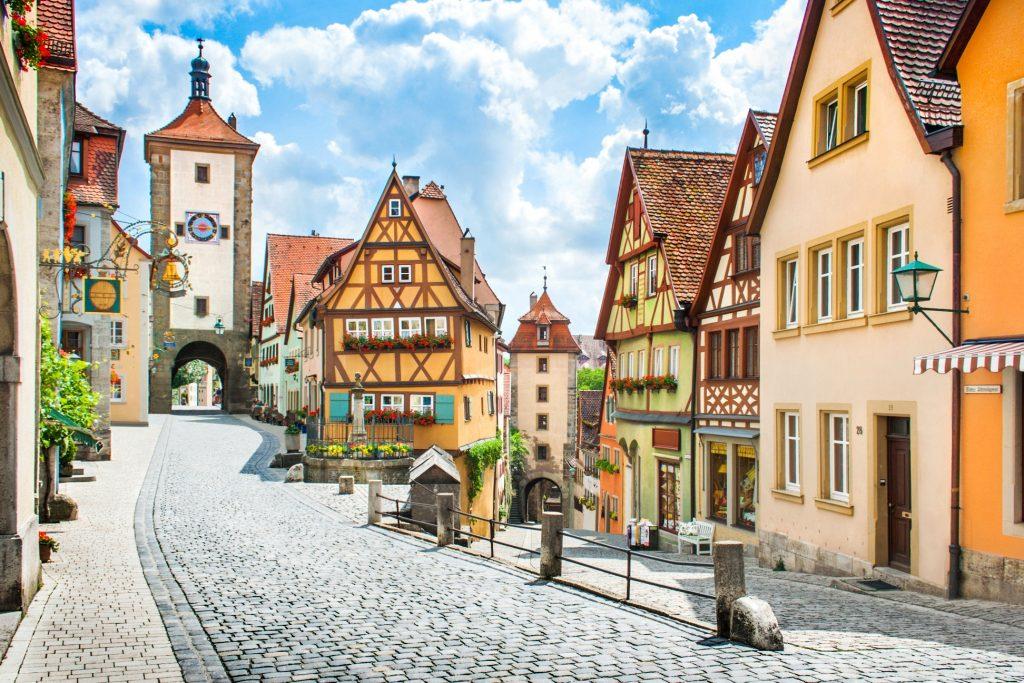 Почему не стоит ехать в Европу в августе