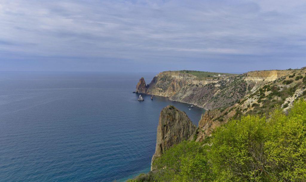 Куда поехать позагорать в Крыму