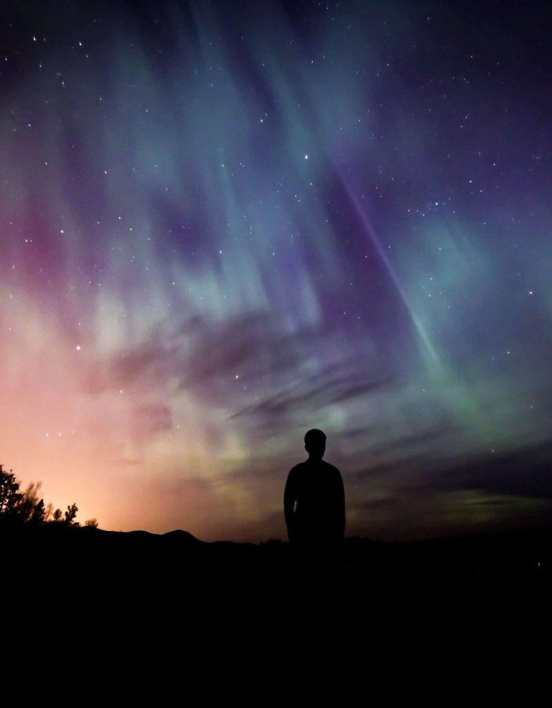 Куда поехать посмотреть северное сияние в летнее время года