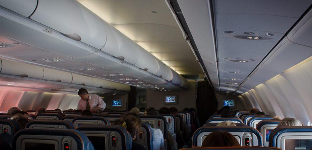 Как сэкономить на перелете самолетом туристу
