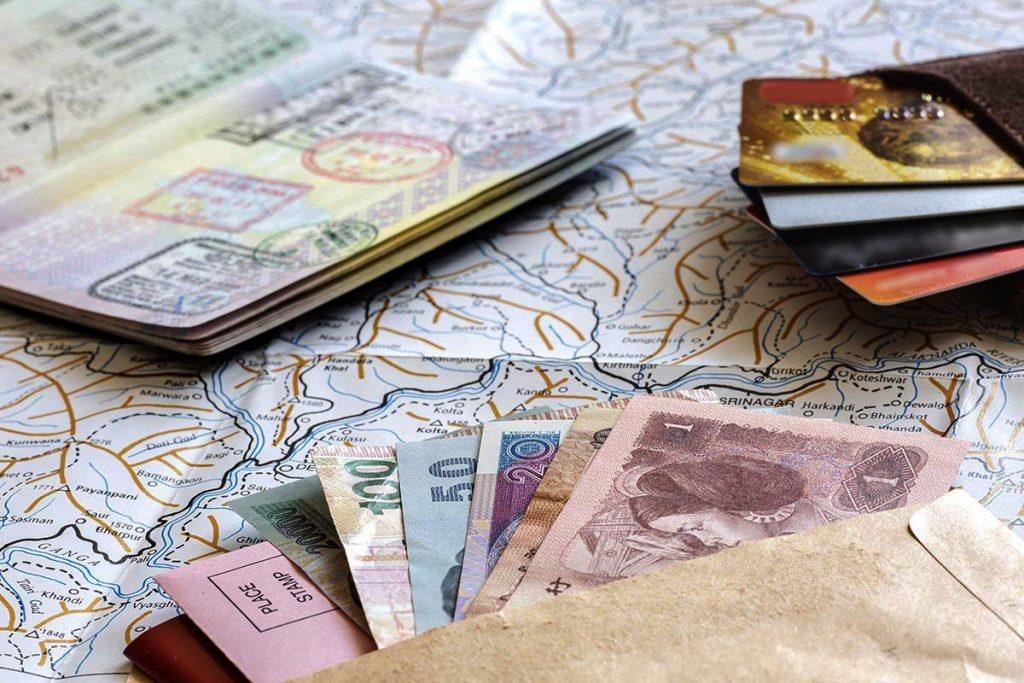 В каком виде лучше везти деньги в путешествие