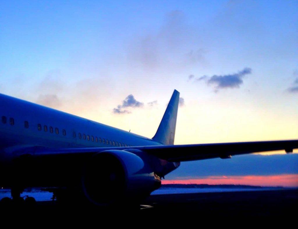 В какие дни можно купить самые дешевые авиабилеты