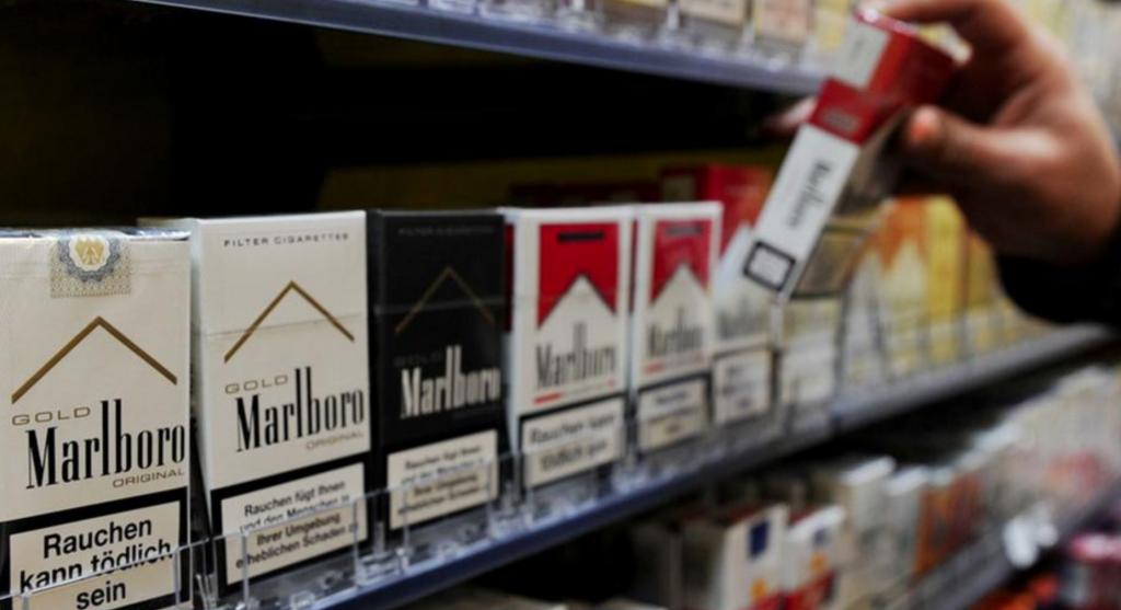 В каких странах самое строгое наказание туристов за курение в неположенных местах