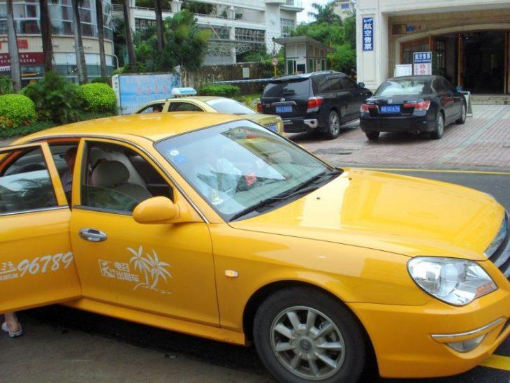 Самые частые обманы таксистов, которыми разводят туристов во всех странах мира