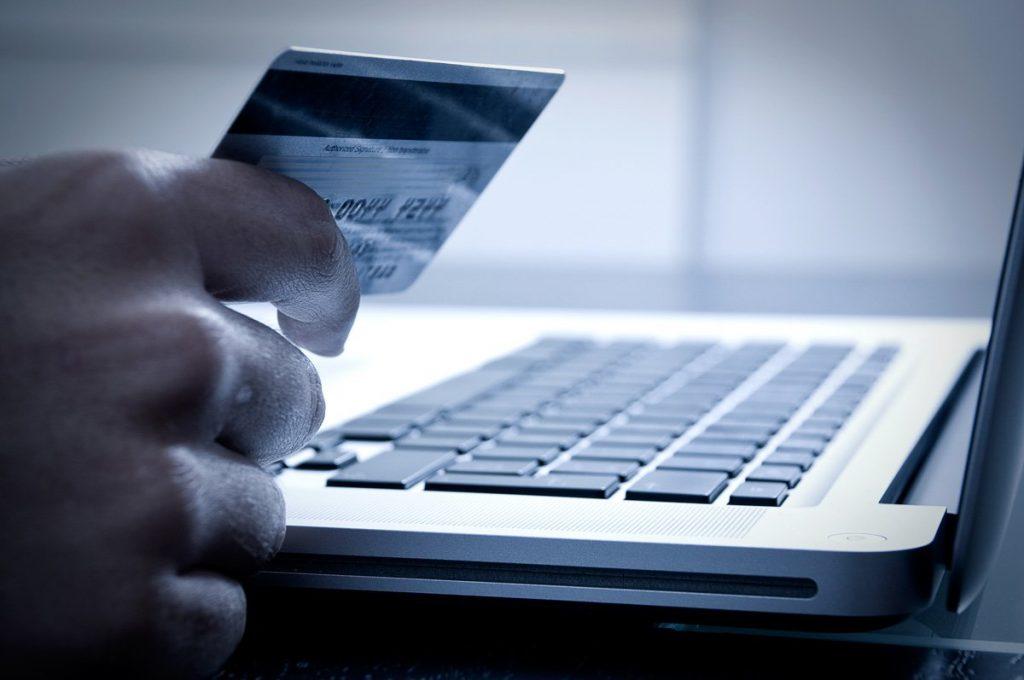 Как сдать билеты, купленные через интернет, и вернуть деньги без потерь