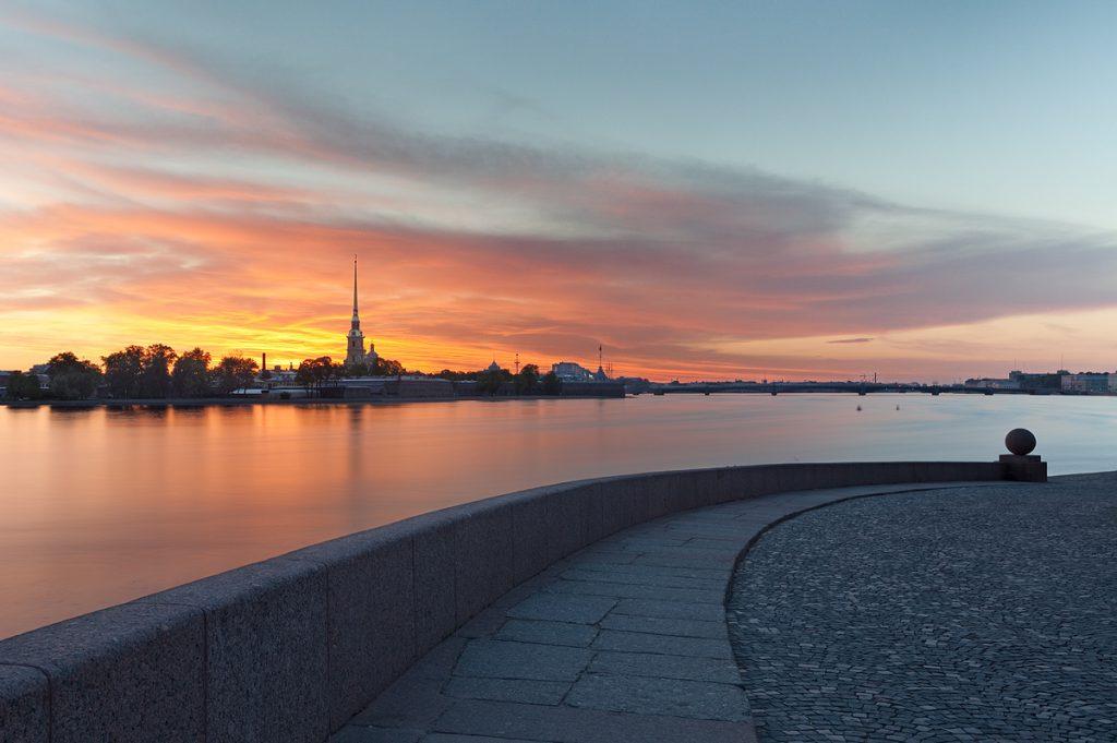 Где в Санкт-Петербурге можно посмотреть на красивейшие белые ночи