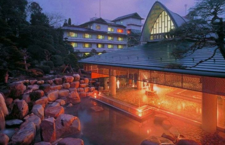 Самые старые уникальные отели в мире