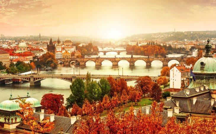 Уголки мира, где вы найдёте сказочные краски осени: 25 фото